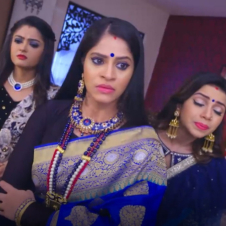 AJ sees through Kaushalya's plans and warns her to stay away. Meanwhil