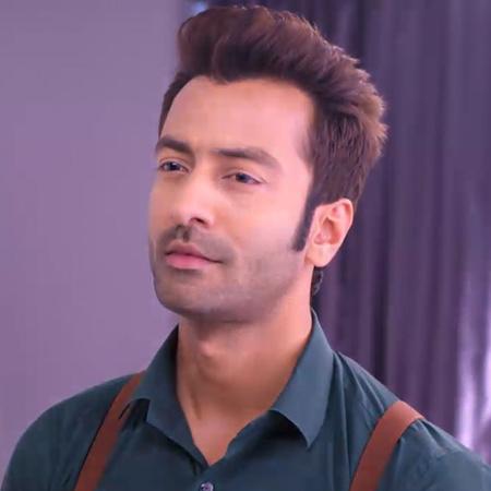 Durga hears Rawat and Guddan's conversation and spots him in AJ's room