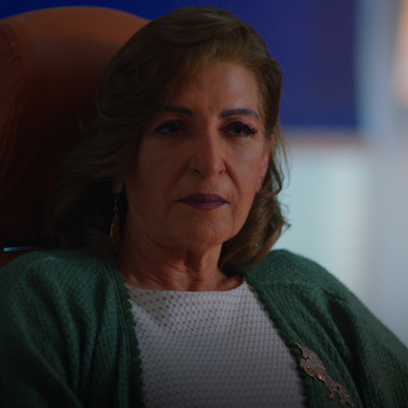 Salma advises her daughter, Yara, to abandon Tawfik after she learns a