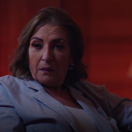 تذهب يارا إلى سليمان لمناقشة علاقتها مع توفيق وتطلب منه مساعدتها على خ