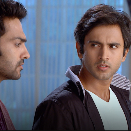 Samart challenges Raj to a cricket match and if Raj wins, he gets to c