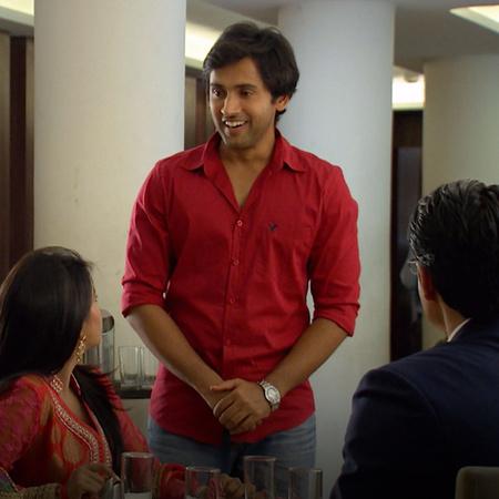 سوكيت يكشف مخطط أكشي ويقرر كشفهما أمام العائلة، ماذا سيفعلان راج وأفني