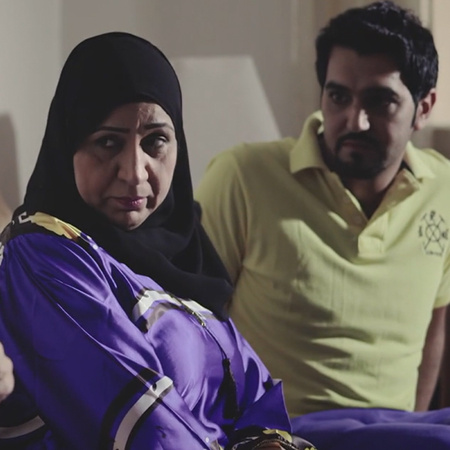 Banat Al Jama'a discusses the story of three girls in their first year