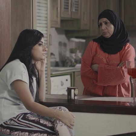 في تكملة لمسلسل بنات الثانوية، يعود بنات الجامعة بقصة ثلاث فتيات في عا