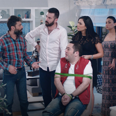 مقبولة تطلب الطلاق من غسان وتترك المنزل، كيف سيتصرف؟