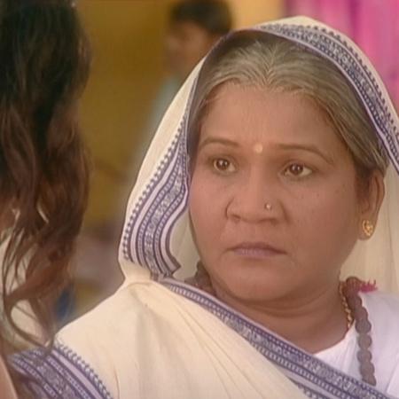يوافق والد كينا على إلغاء العرس ويقرر راجو الزواج من آنيا