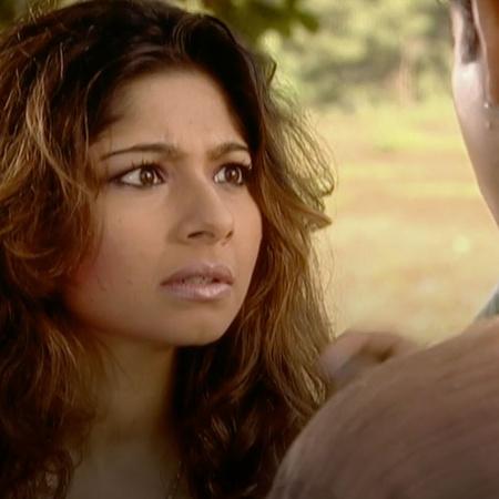 تقرر آنيا الهروب إلى المدينة بهدف إلغاء زواجها من راجو