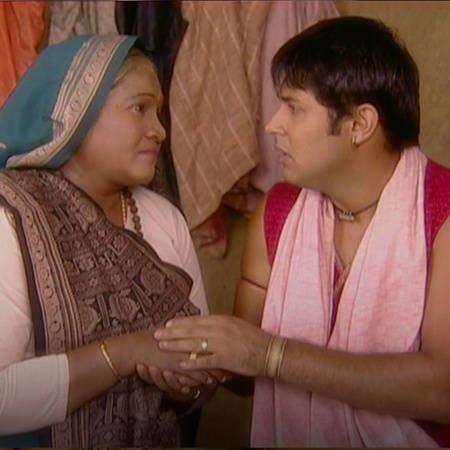 Rajo admit to Anyaa his bad situation and she is supporting him
