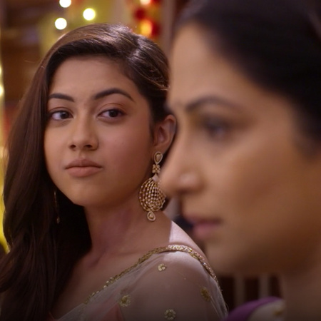 Kalyani confesses that Anupria is her mother and saves Sampda