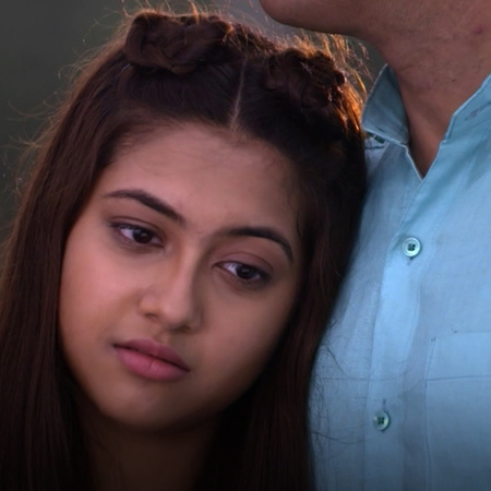 Kalyani  is planing to celebrates the wedding of her father and mother