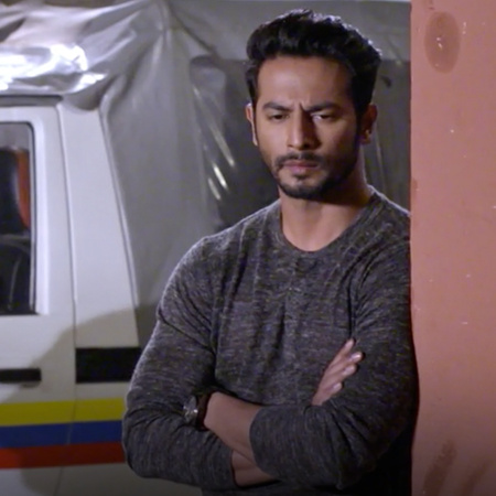 Mulhar  punished Kalyani for lying, but suddenly the truth she is hidi