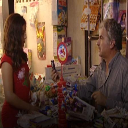 يجد نزار وظيفة جديدة في بقالة للعيش منها و زوج لوسي يشك فيها لخروجها م