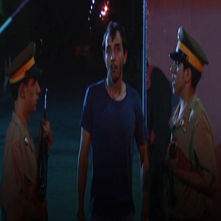 يتم الافراج عن هارون بعد عدة سنوات بالسجن و لكنه يتفاجأ بأنه قد تم هدم