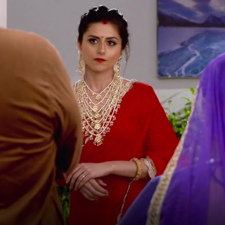 Aditya Nisha returns home, although he rejects her, but has sacrificed