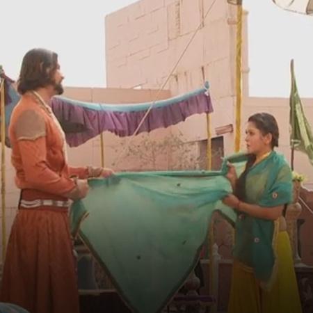 هدد أدهم خان بالاعتداء على شاهيناز بعد أن تسللت إلى غرفته خلسة، فهل ست