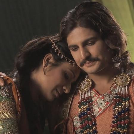 تدور أحداث مسلسل جودا أكبر في القرن السادس عشر الميلادي، عن قصة الزواج